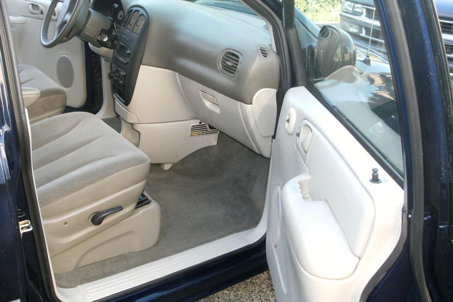 Dodgecaravanse on 2005 Dodge Grand Caravan Value